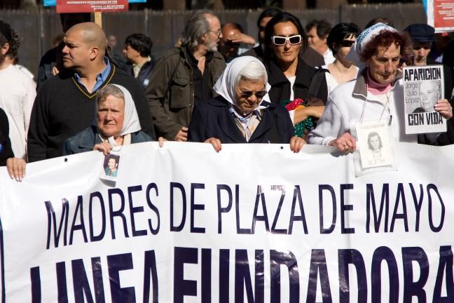 Dwaze Moeders, Buenos Aires