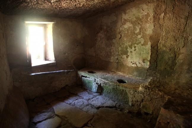 De toiletten in het Capuchos klooster