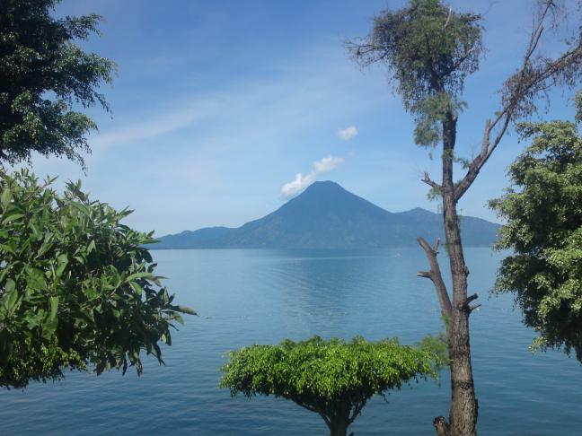 uitzicht over Lago Atitlan