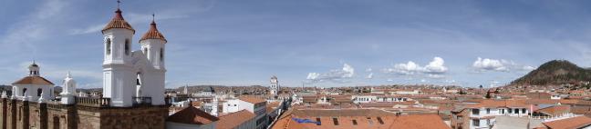 Sucre bezien vanaf het dak van de Iglesa de la Merced