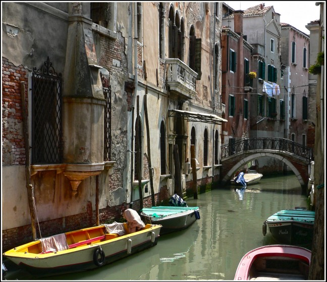 Rustig steegje in Venetie