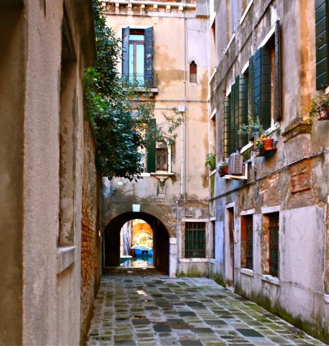 Klein steegje in Santa Croce