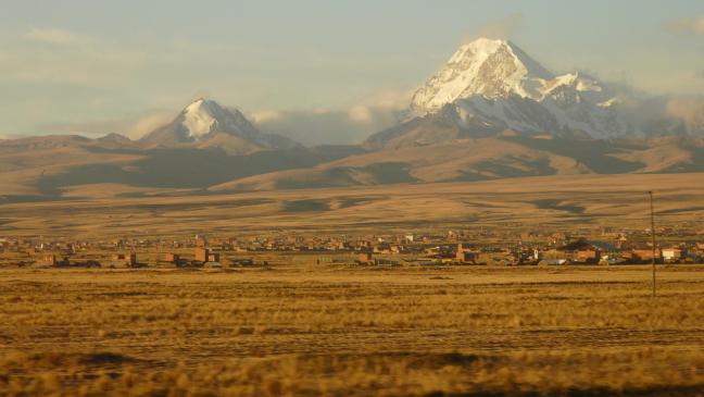 Avondzon over buitenwijken La Paz