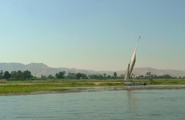 West oever Nijl bij Luxor.