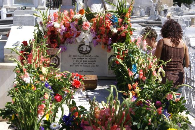 Het graf van Amelia Giyri