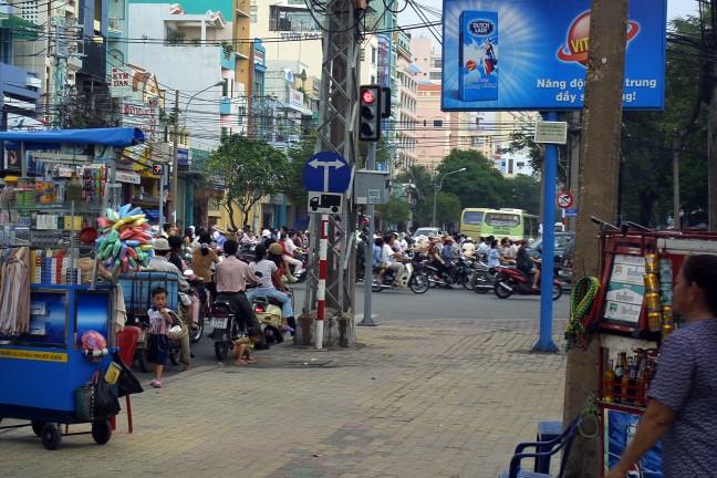 Saigon steekt over