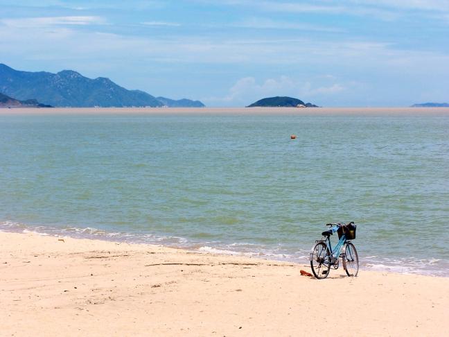 Verlaten strand van Nha Trang