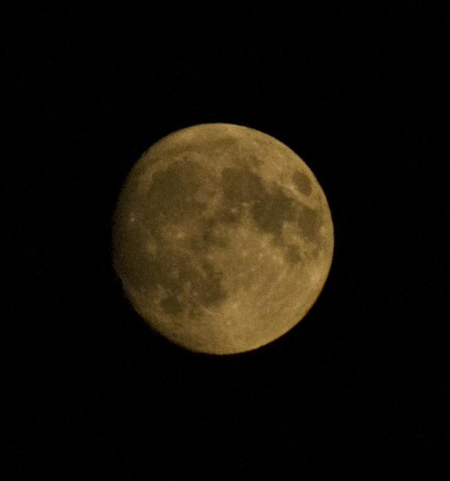 Zie de maan schijnt...