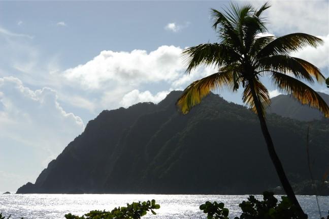Uiterste zuiden van Dominica, waar Caribische zee en Atlantische oceaan elkaar ontmoeten.