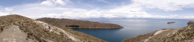 Lake Titicaca bezien vanaf Isla del Sol nabij Copacabana in Bolivia