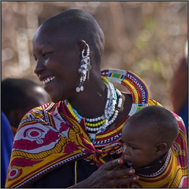 masai vrouw + baby