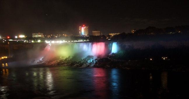 Niagarafalls by night