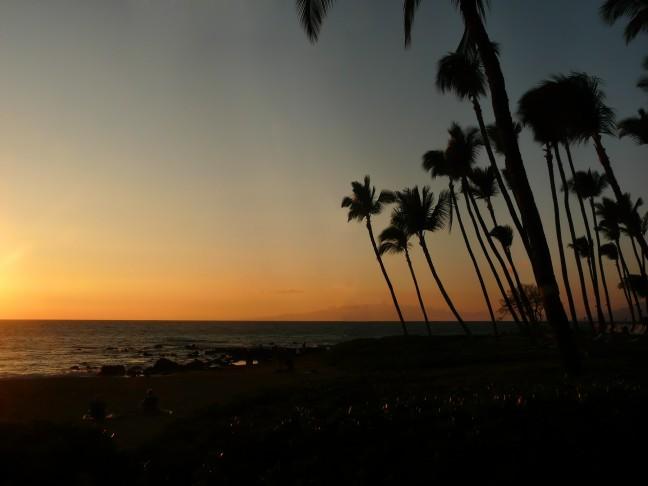 Tropische zonsondergang op Maui