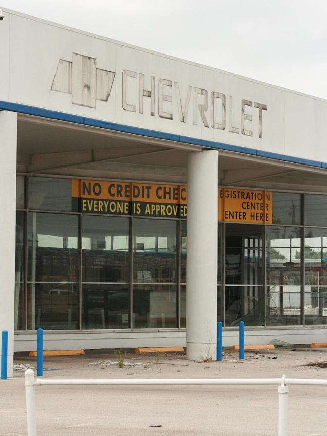 Verlaten Chevrolet dealer Houston