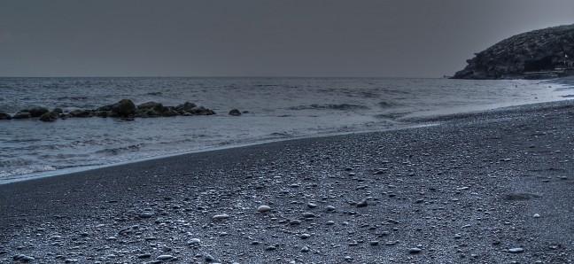 zwart lava strand