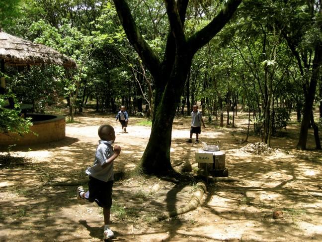 Spelende schoolkinderen in Lubumbashi