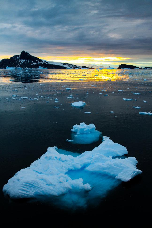 Antarctica, zowel overdag als 's nachts een waar paradijs