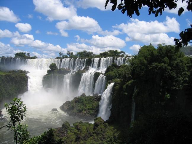 Uitzicht op watervallen Iguazu