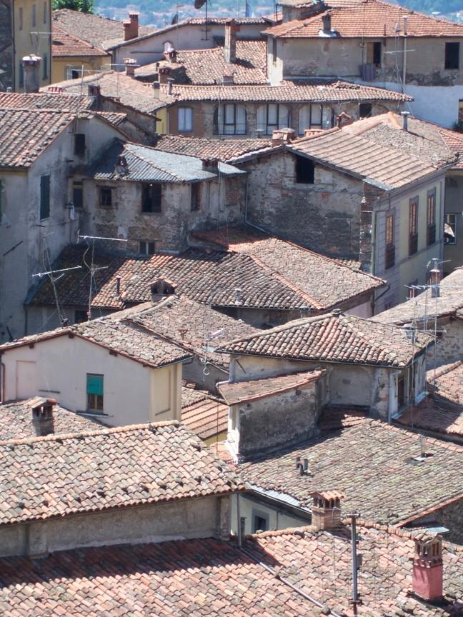 Rode daken in Barga