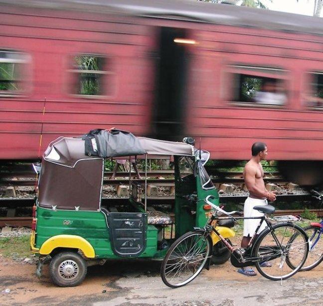 De trein raast door