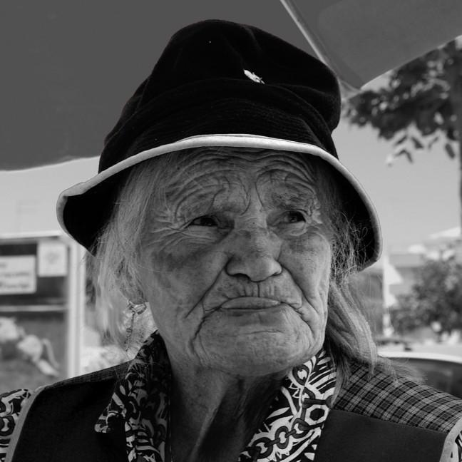 Markt vrouw in Portimao