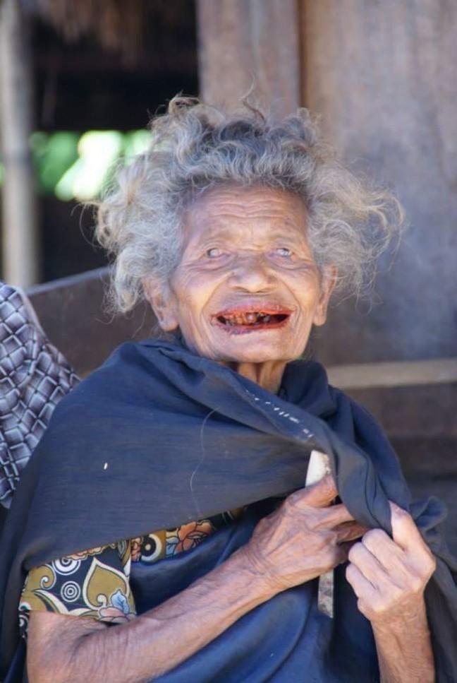 Prachtige vrouw in Flores