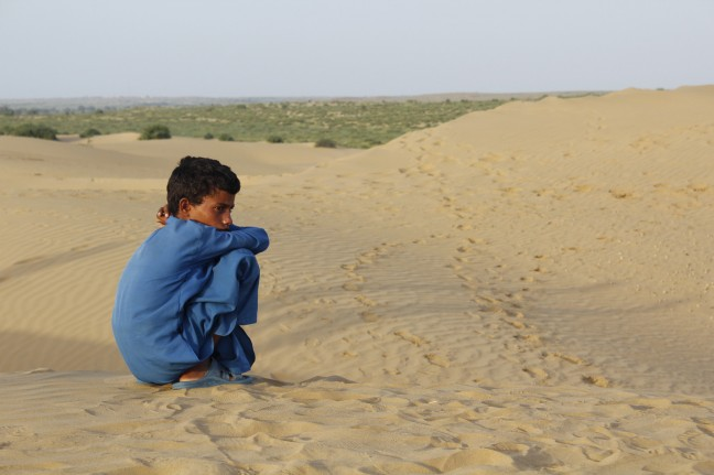 Jongetje in de Thar woestijn